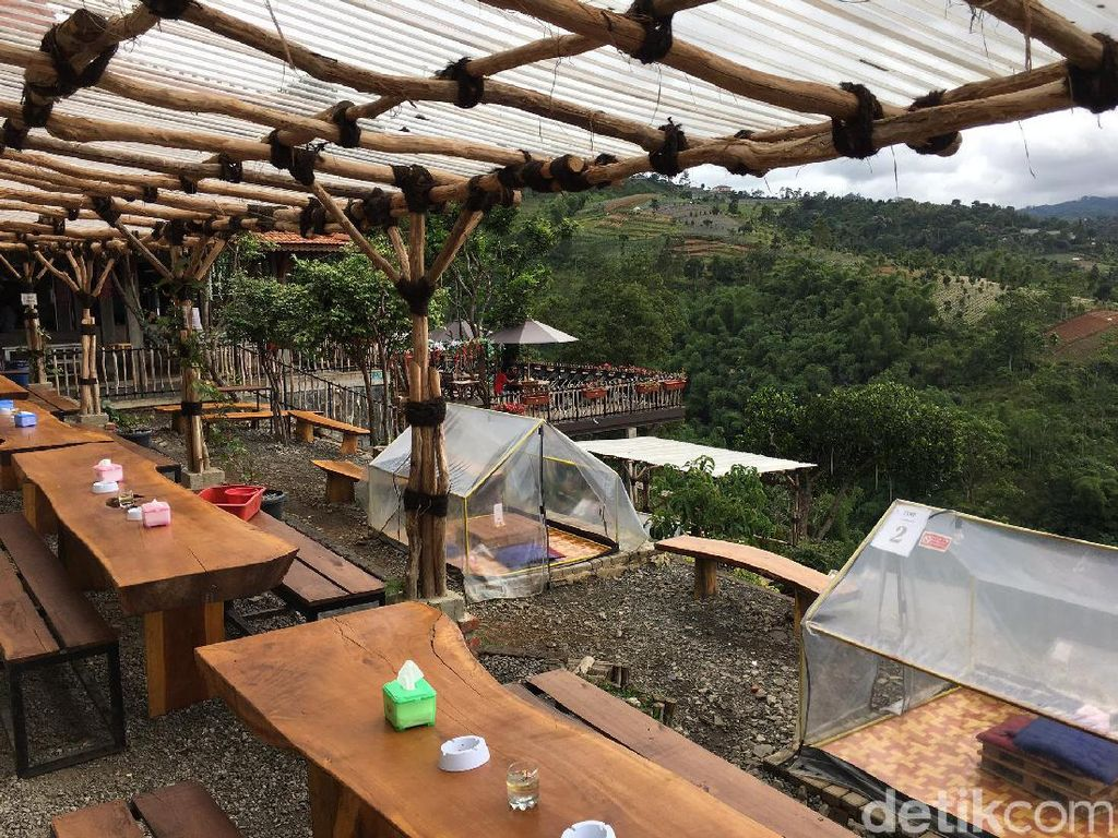 Nongkrong Cantik Sambil Menikmati Kesegaran Alam di Lereng Anteng, Bandung