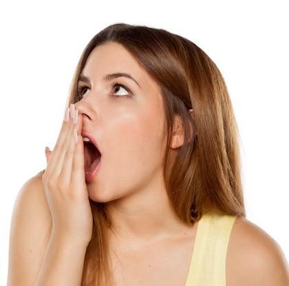Cara Menghilangkan Bau Mulut, Coba Konsumsi 7 Makanan Ini