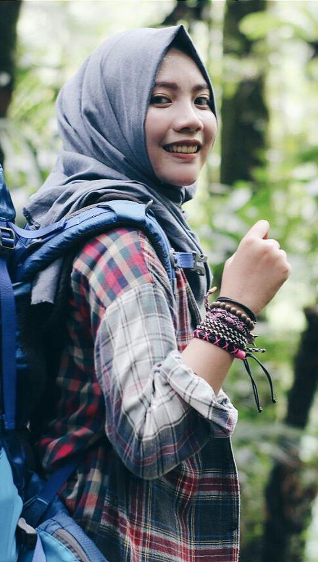 Hijabers Aisyah Punya Cerita Gaib dan Bertaruh Nyawa Saat Naik Gunung