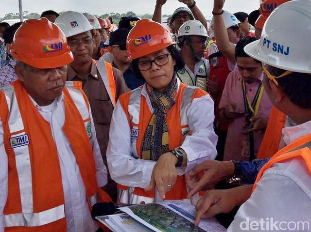 Sri Mulyani Blusukan ke Proyek Tol Semarang-Solo