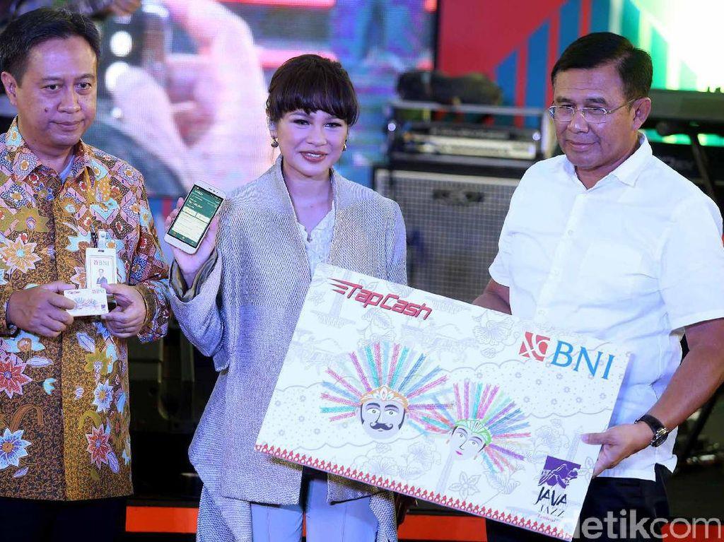 Tahun ini BNI kembali berpartisipasi sebagai sponsor untuk ke-13 kalinya dalam event Java Jazz Festival.