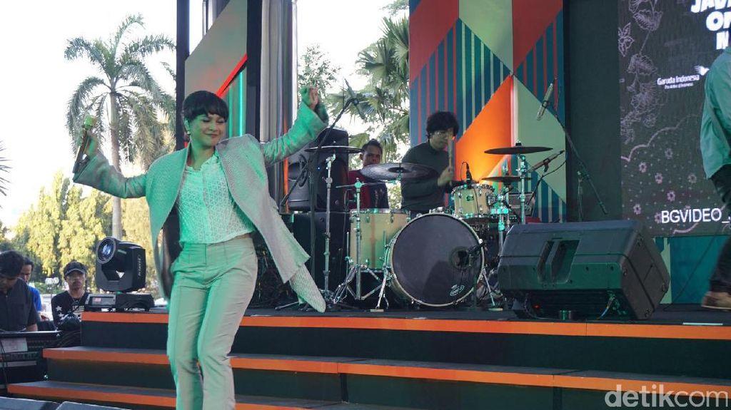 Andien Naik Panggung Lagi di 'Java Jazz On The Move'