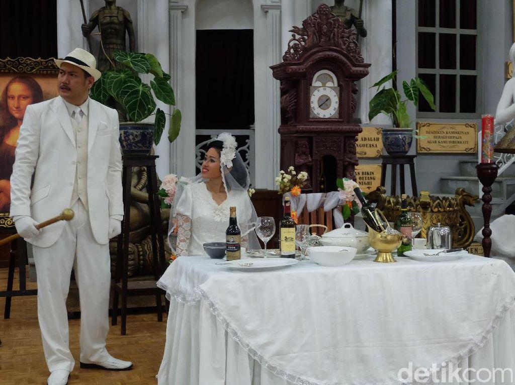 Ini salah satu adegan ketika hari pernikahan antara Mekhit yang menikahi Poli Picum. Pool/Tia Agnes/detikFoto.