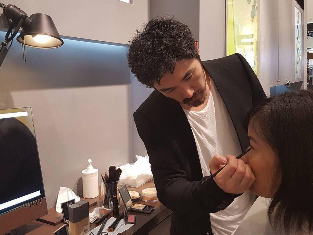Tips Aplikasi Foundation Agar Hasilnya Mulus dari Makeup Artist Jepang