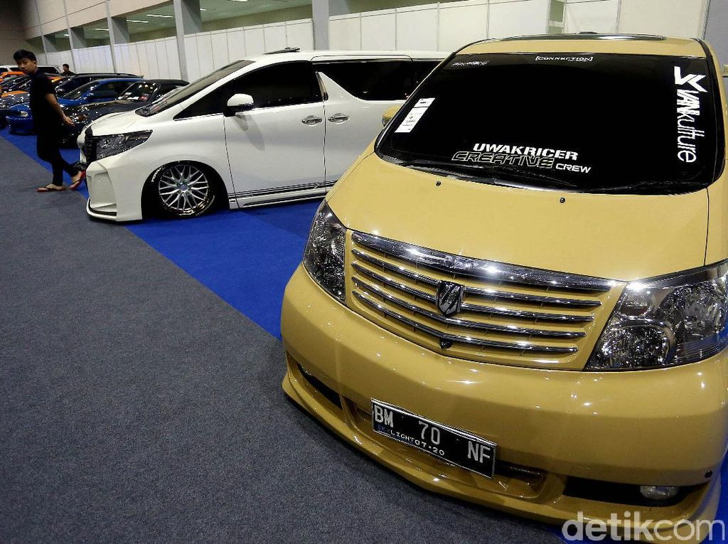 Puluhan Mobil Modifikasi Mejeng di AutoPro Indonesia 2017