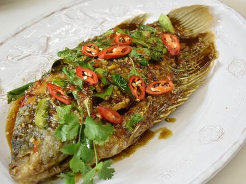 Tambah Selera Makan dengan Bikin 5 Olahan Ikan Pedas Ini!