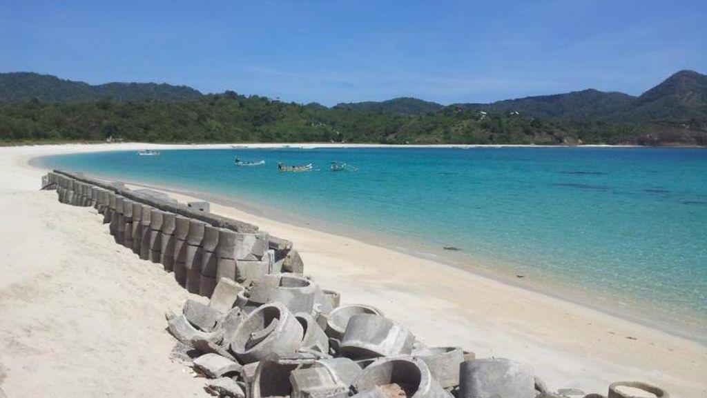 Pantai Maluk yang Menawan untuk Berakhir Pekan di Sumbawa
