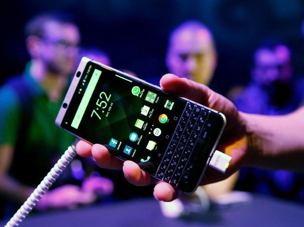 KEYone, BlackBerry Rasa Android Racikan TCL