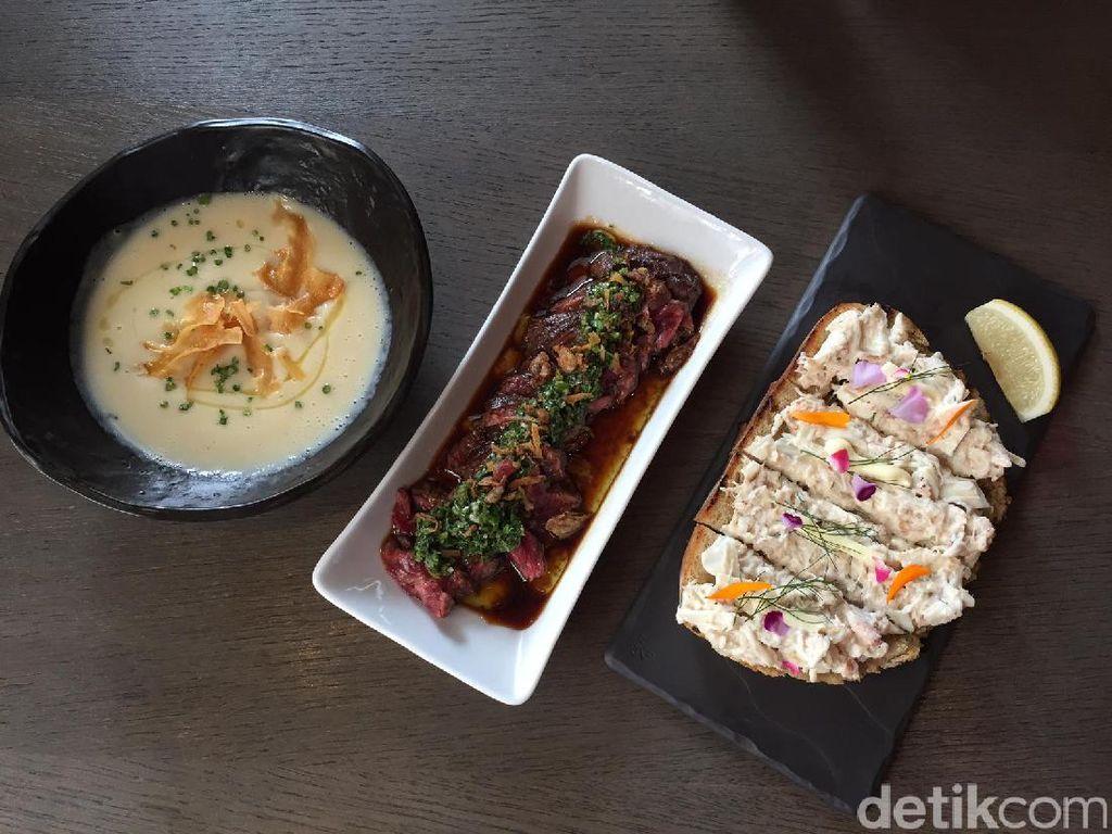 Mulai Maret, Cassis Kitchen akan rutin mengubah dan menu baru setiap 3 bulan. Kali ini ada sup parsnip, wagyu, dan crab toast di deretan hidangan pembuka.
