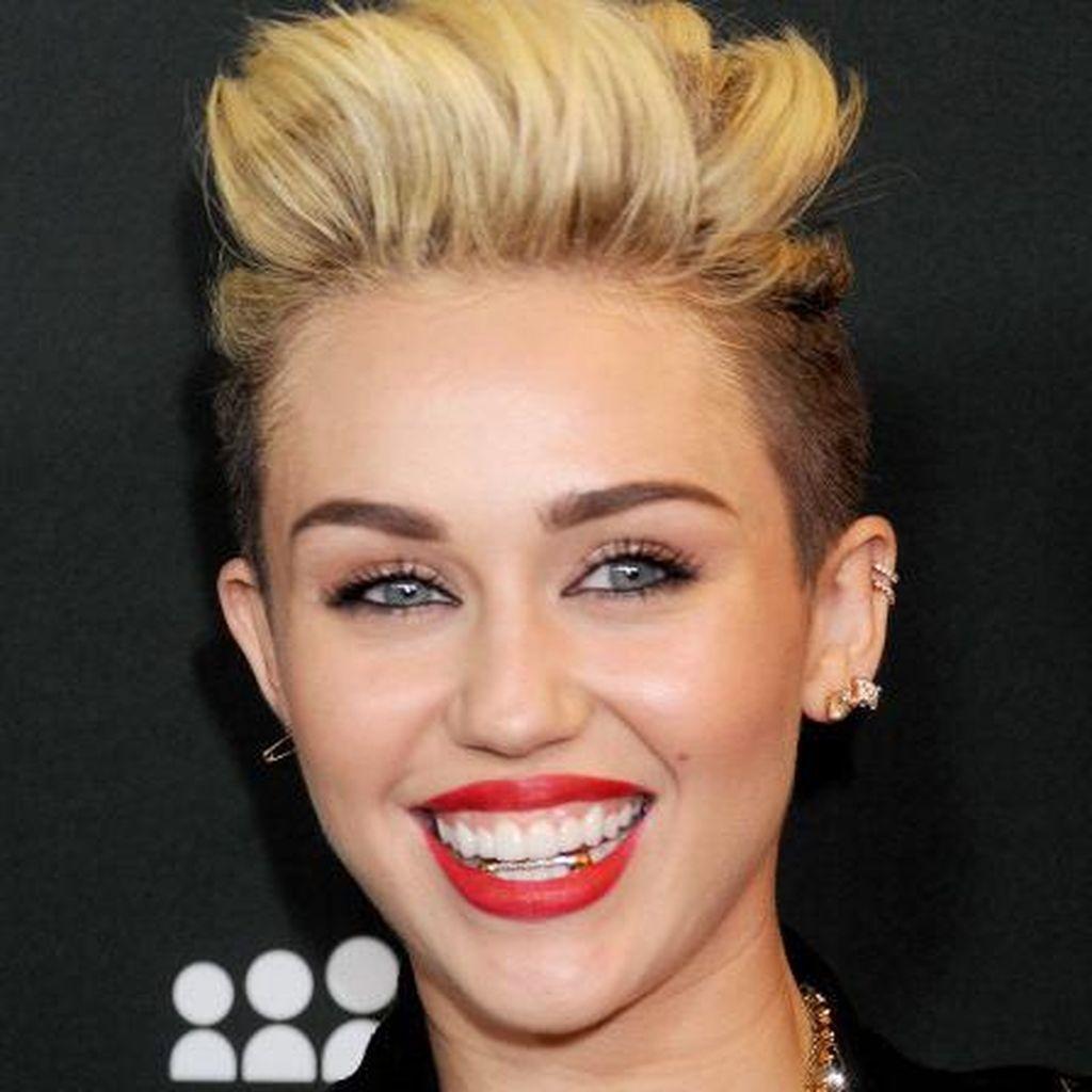 Miley Cyrus Sebut Dirinya Panseksual, Apa Itu?