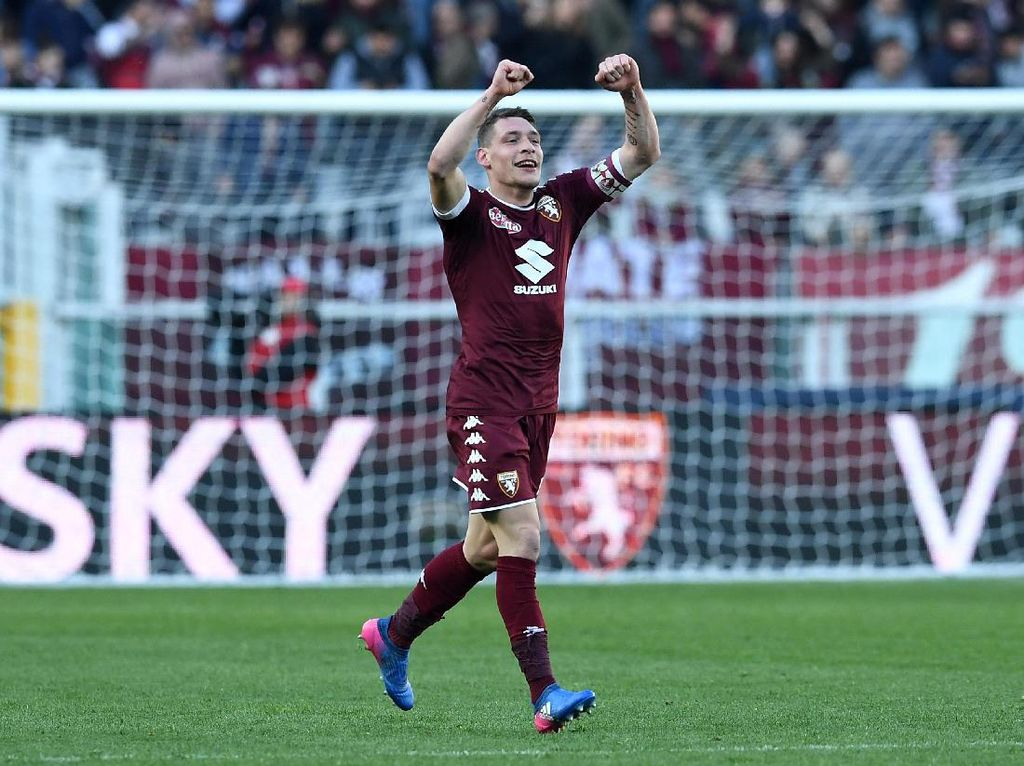 Penyerang Torino, Andrea Belotti, menjadi incaran alternatif Milan. Belotti mencetak 26 gol untuk Torino musim lalu. Kabarnya, nilai transfer pemain 23 tahun itu mencapi 100 juta euro. (Foto: Valerio Pennicino/Getty Images)