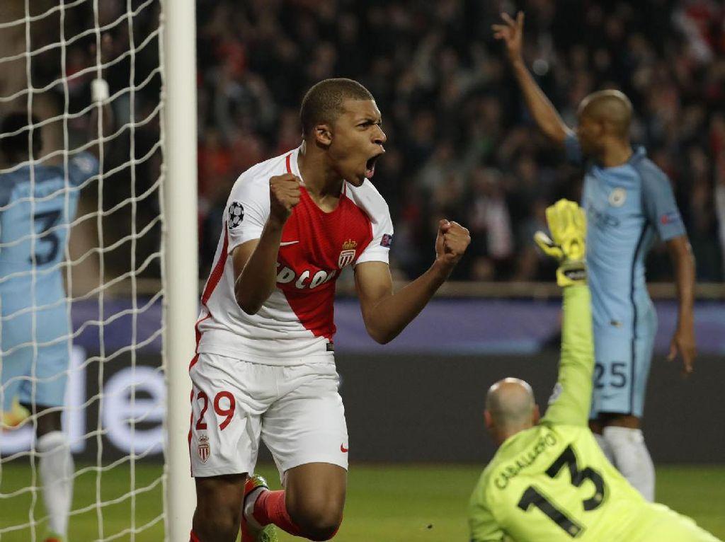 Kylian Mbappe-Lottin merayakan gol yang dicetak di menit ke-8. Pool/Eric Gaillard/Reuters/detikFoto.