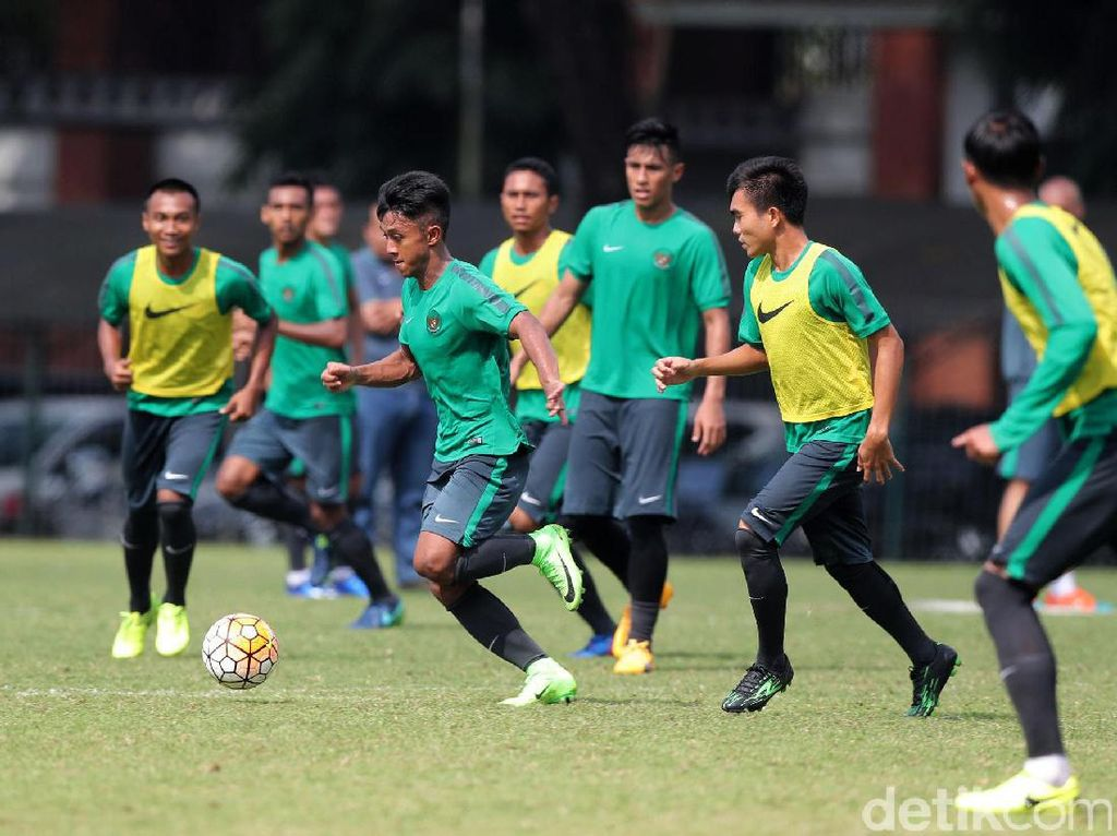 Pelatih Timnas Indonesia U-22 Luis Milla Aspas menuntut 26 pemain yang dipanggil untuk laga ujicoba melawan Myanmar bisa memberikan yang terbaik.