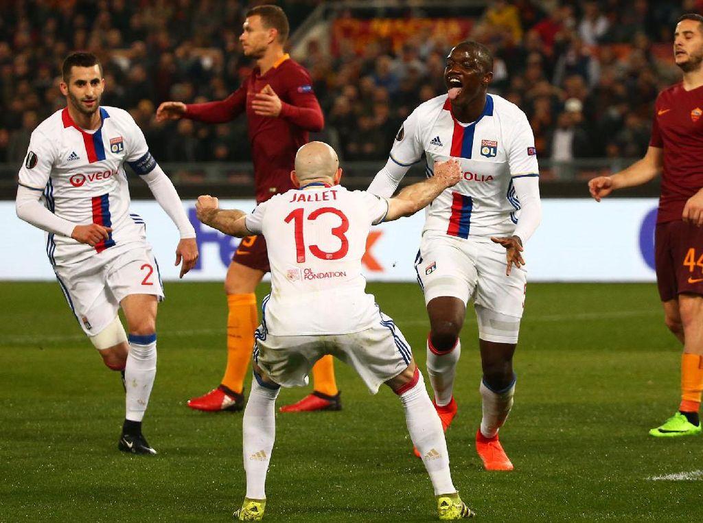 Mouctar Diakhaby merayakan gol yang dicetak di menit ke-16. Pool/Alessandro Bianchi/Reuters/detikFoto.