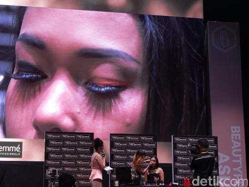 Cara Praktis Buat Smokey Eyes dari Makeup Artist Archangela Chelsea