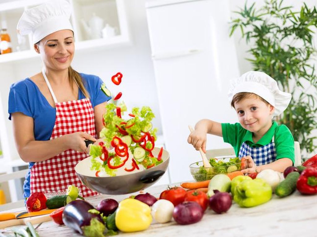 Ini Pendapat 3 Chef Indonesia Soal Manfaat Memasak Bersama Anak