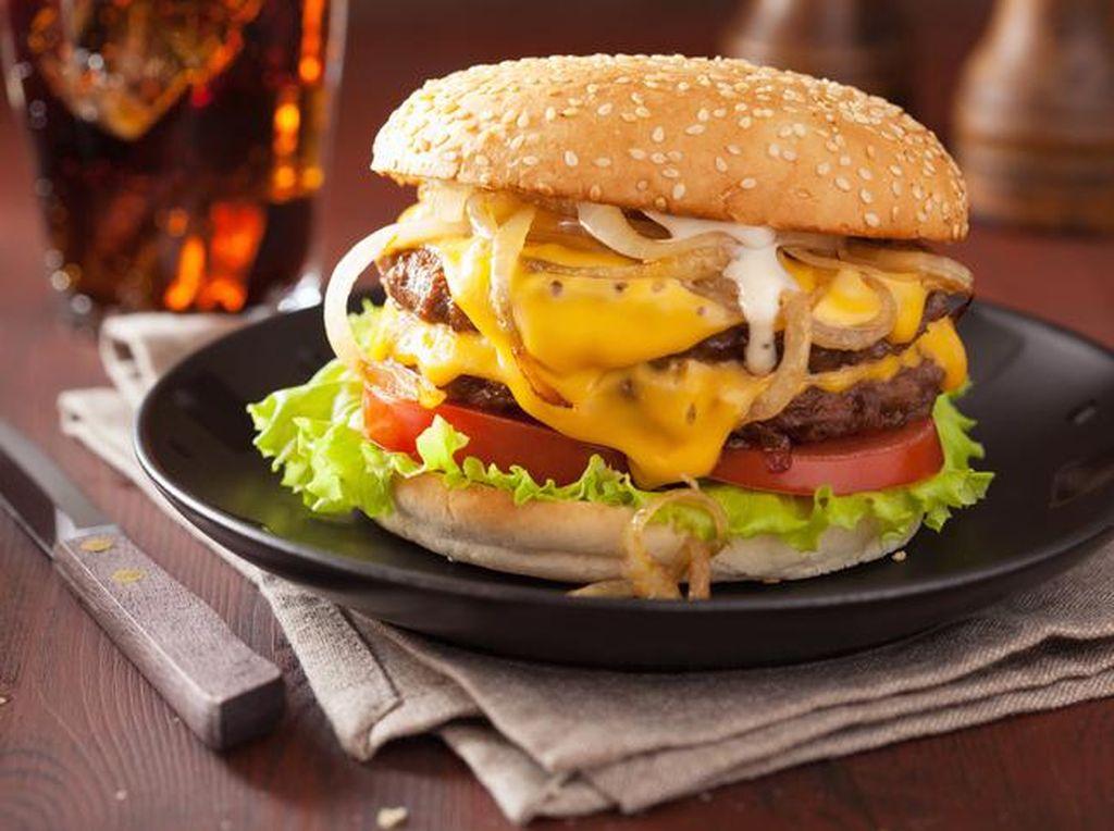 Yummy! Burger hingga Fish and Chips dengan Paduan Keju Leleh Ada di Sini
