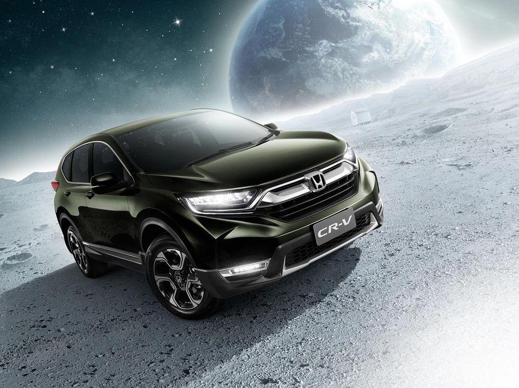 Honda CR-V 7 Penumpang Mengaspal di Thailand