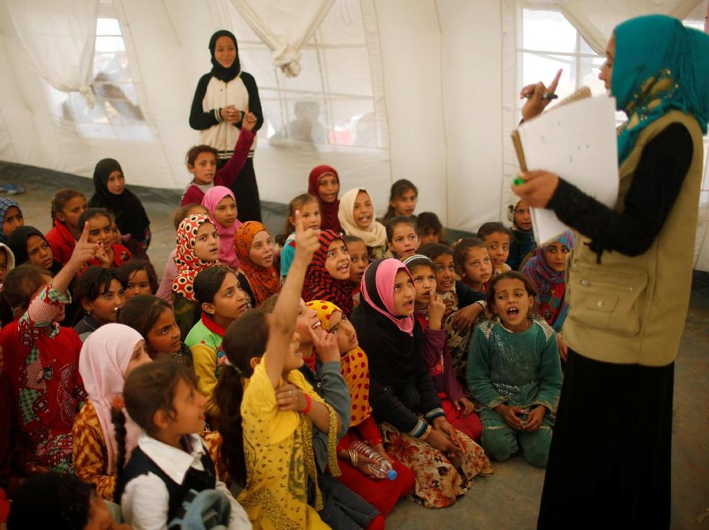 Semangat Anak-anak Pengungsi Irak Untuk Belajar