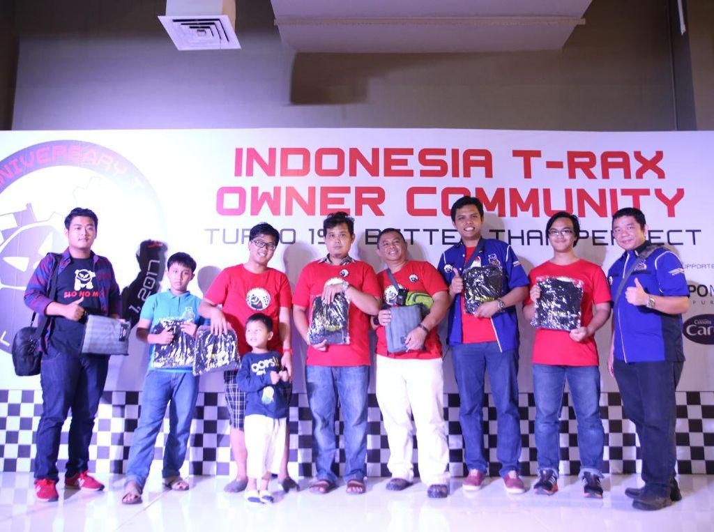 Konvoi dilakukan sejak pukul 7 pagi dari AK Putera Bintaro menuju ke Lippo Mall Puri. Dok, T-RAX Owner Community.
