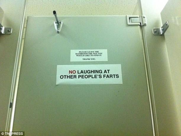 Viral, Peringatan Menggelikan di Toilet yang Bikin Ngakak
