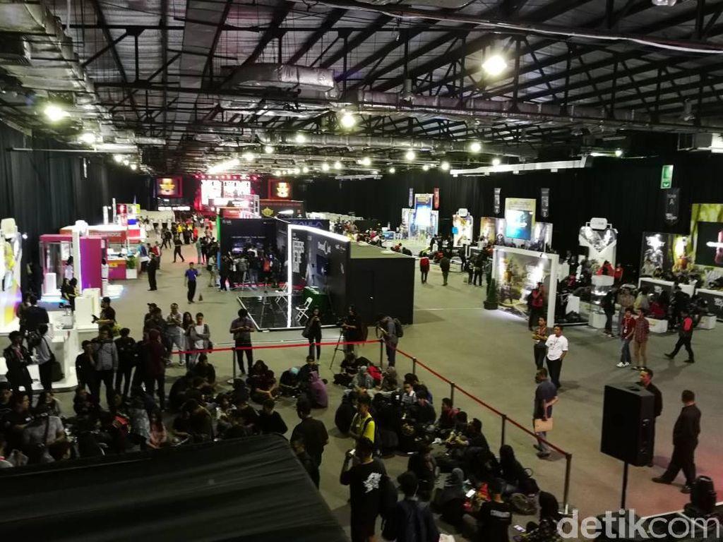 Indonesia Game Championship akhirnya memasuki babak grand final. Bertempat di Balai Kartini, Jakarta, event yang diselenggarakan operator seluler Telkomsel ini diramaikan oleh puluhan gamer profesional Tanah Air. (Foto: detikINET/Muhammad Alif Goenawan)