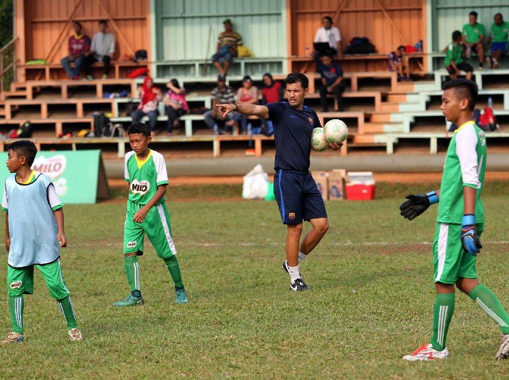 Pelatihan ini digelar di Milo Football Camp, Ciputat.