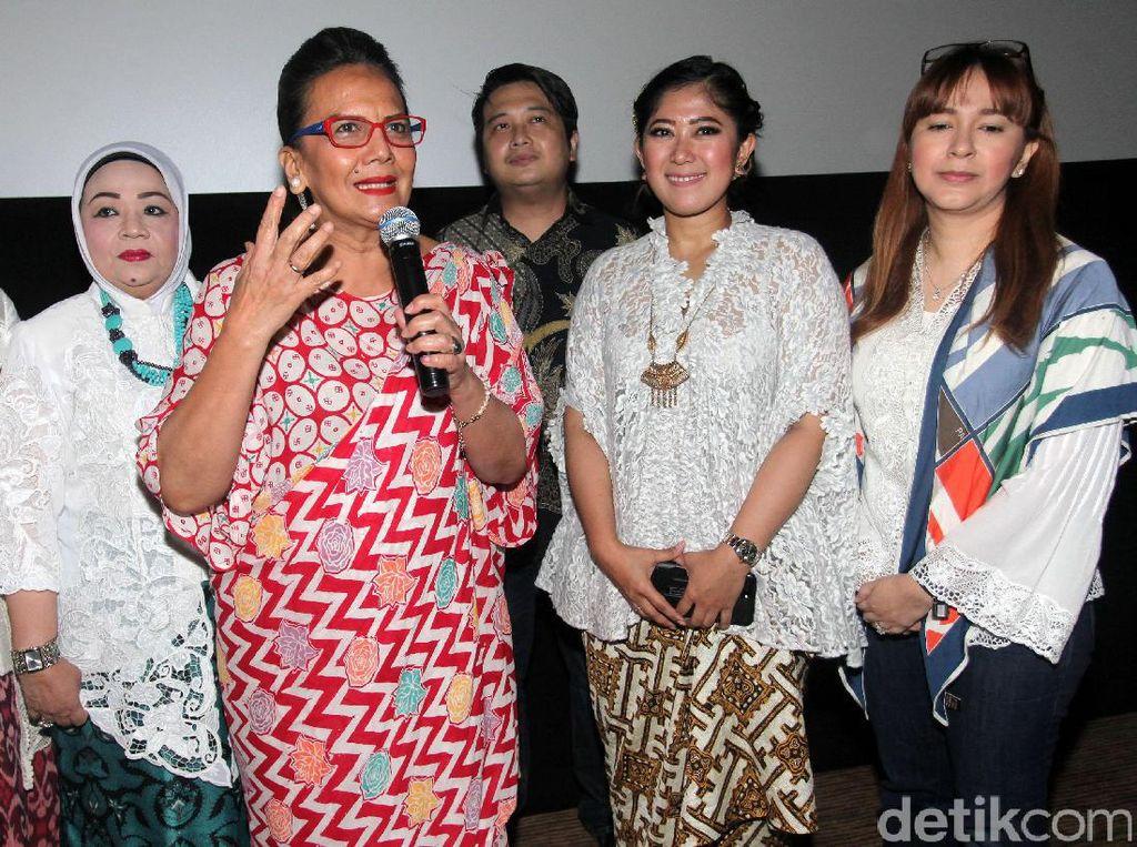 Christine Hakim memberikan penjelasan soal film Kartini.