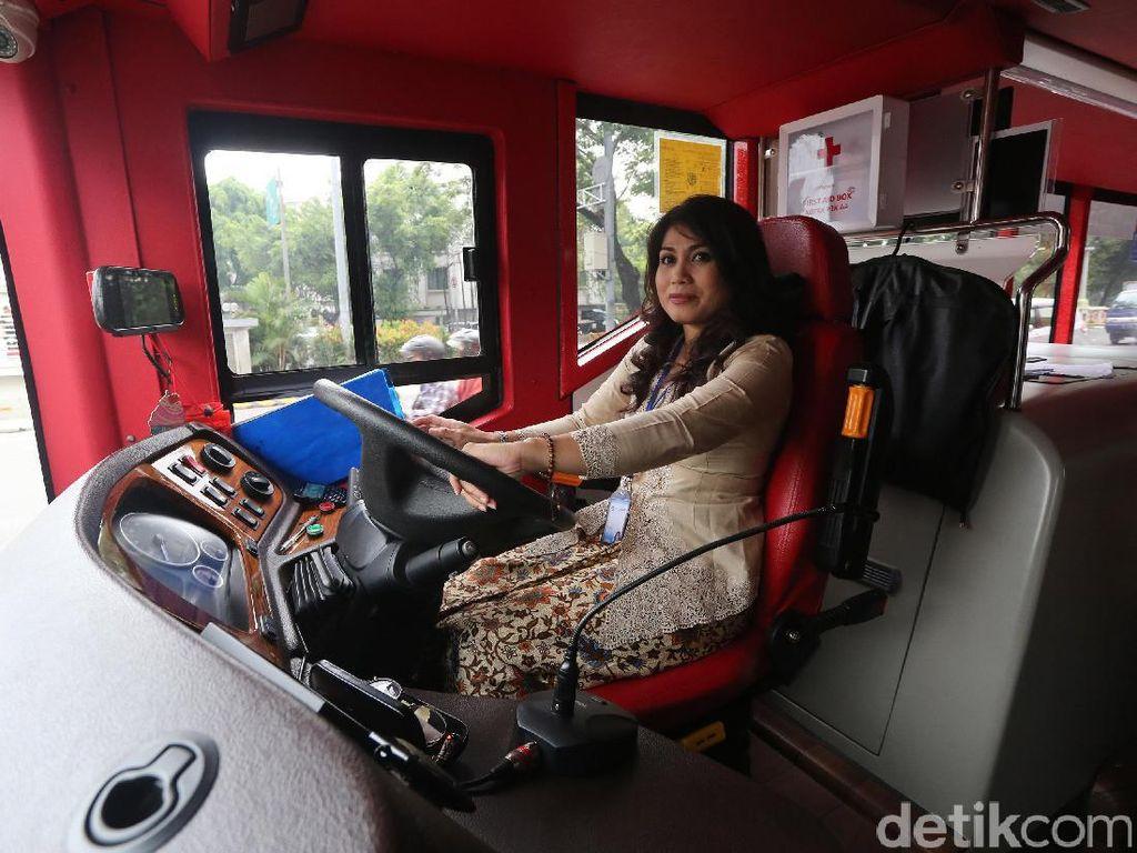 Ini dia kasi Kartini TransJakarta.