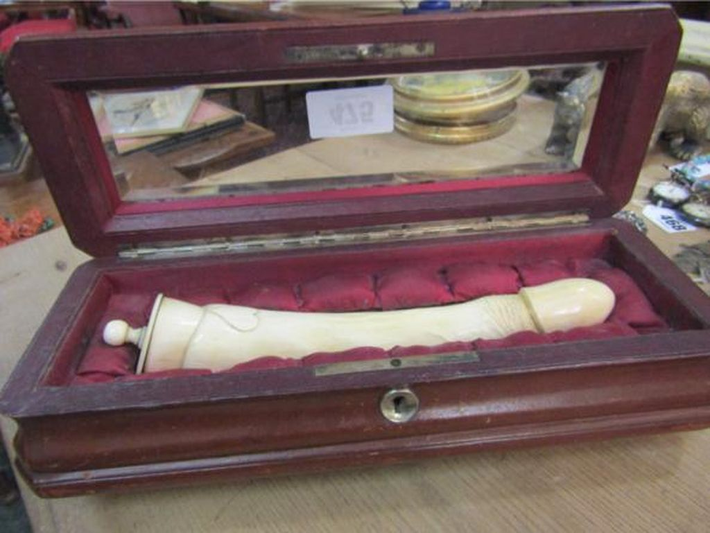 Terbuat dari Gading Gajah, Mainan Seks Antik Ini Dilelang