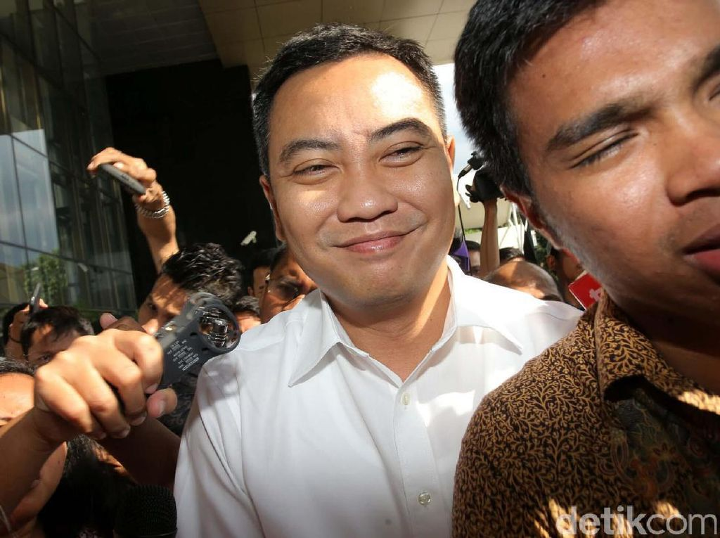 KPK Periksa Anggota DPR Fayakhun Andriadi