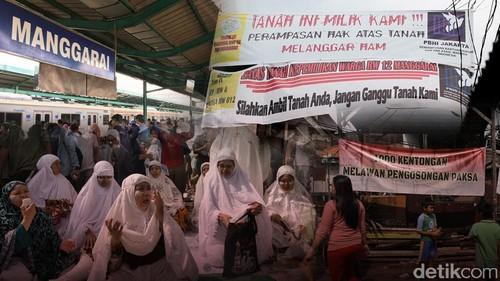 Warga Manggarai vs PT KAI