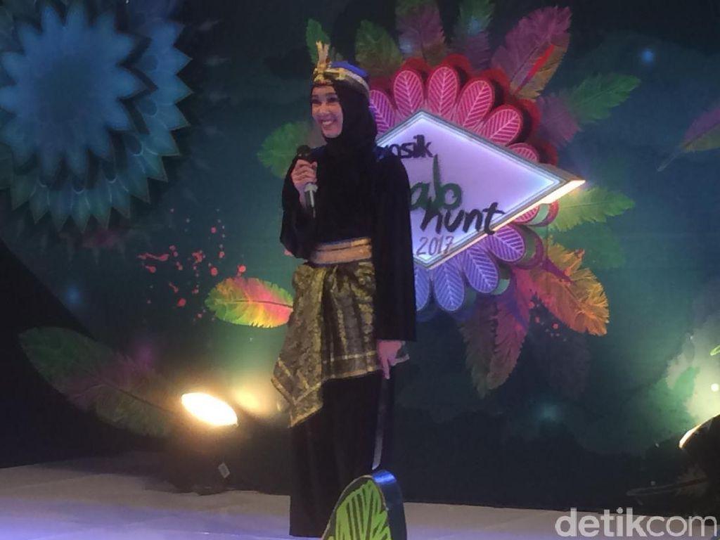 Aksi 'Garang' Hijabers Cantik Pamer Aksi Silat Bikin Nycta Gina Kagum