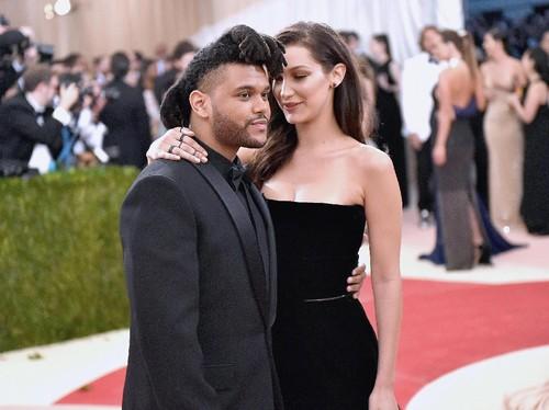 Bella Hadid Like Foto The Weeknd di Instagram, Belum Move On?