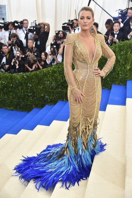 Foto: Perhiasan Rp 46 Miliar yang Dipakai Blake Lively di Met Gala