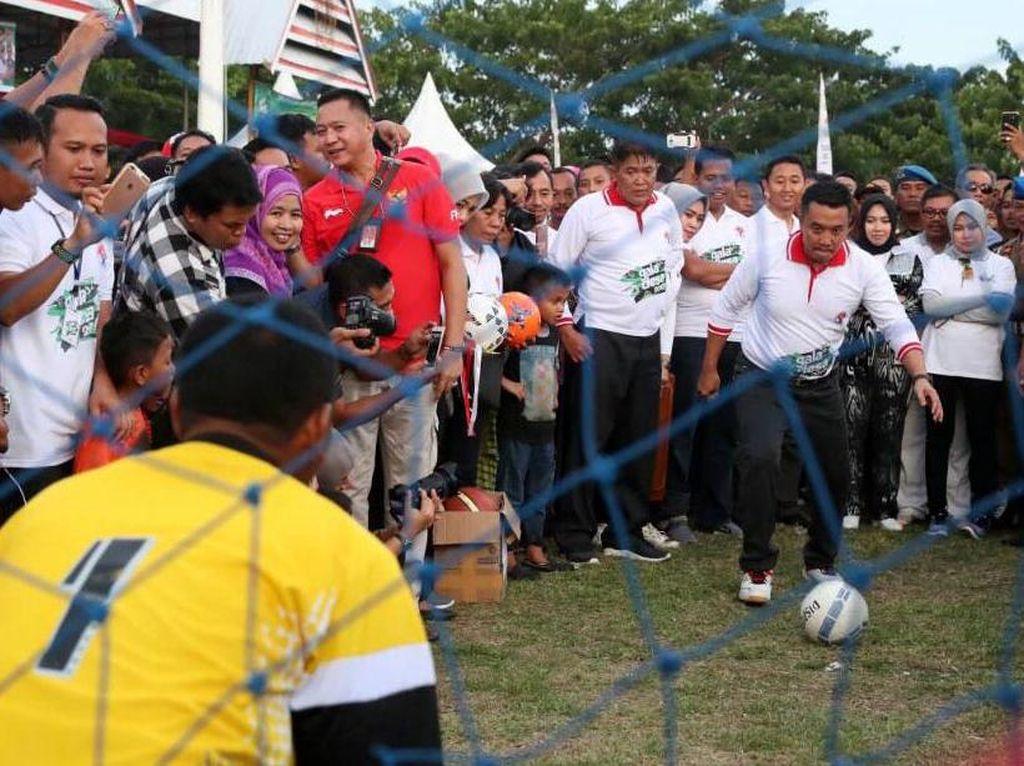 Menpora Imam Nahrawi akan membuka secara resmi ajang Galadesa tersebut di Bulukumba, Sulawesi Selatan, Minggu (14/5). Pool/dok. Kemenpora.