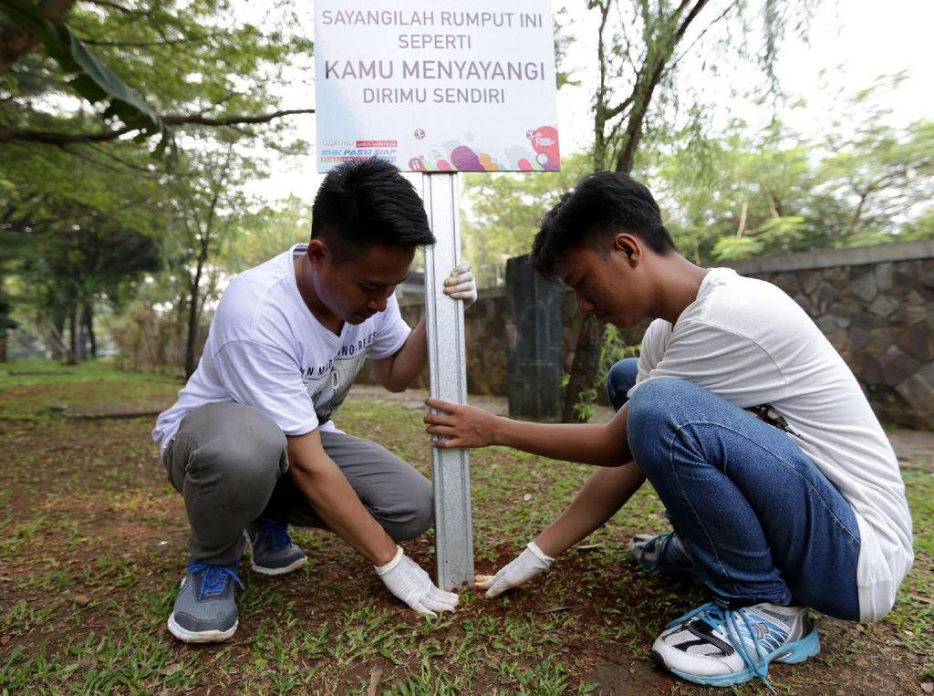 Kegiatan ini adalah rangkaian program SMK Pasti Siap yang merupakan pelatihan pembentukan karakter, pendidikan, wawasan lingkungan, dan kewirausahaan kepada 150 siswa SMK se-Kabupaten Bogor. Pool/Sampoerna.