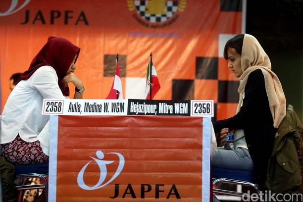 Wajah Serius WGM Medina di Japfa Chess Festival