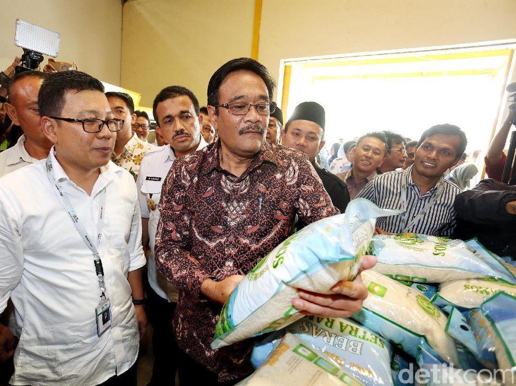 Djarot pun menjelaskan bahwa Jakarta tidak mungkin menjadi produsen bahan pangan, sebab Jakarta tidak memiliki lahan pertanian. Karena itu Pemprov DKI melakukan kerjasama dengan provinsi lain untuk menstabilkan harga di Jakarta. Setidaknya ada 5 provinsi yang saat ini sudah bekerjasama dengan Jakarta.