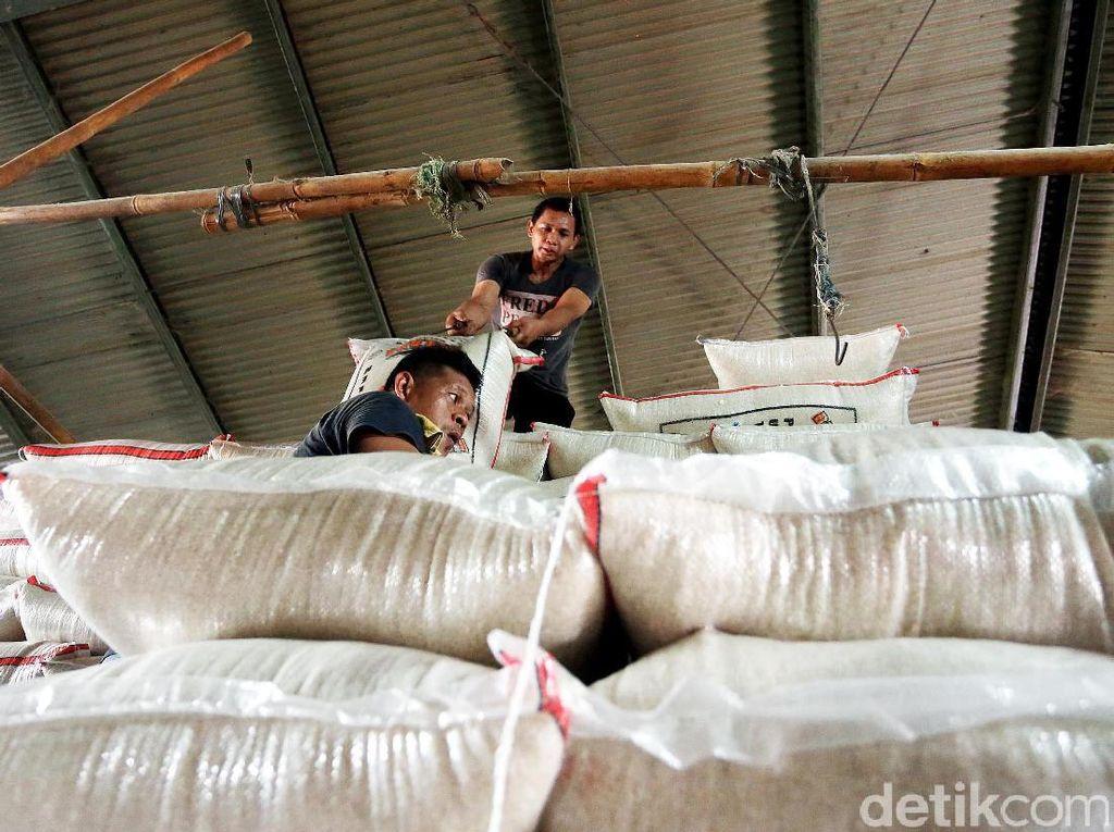 Saat ini pasokan beras yang masuk ke Pasar Induk Beras Cipinang, sebanyak 37 ribu ton.