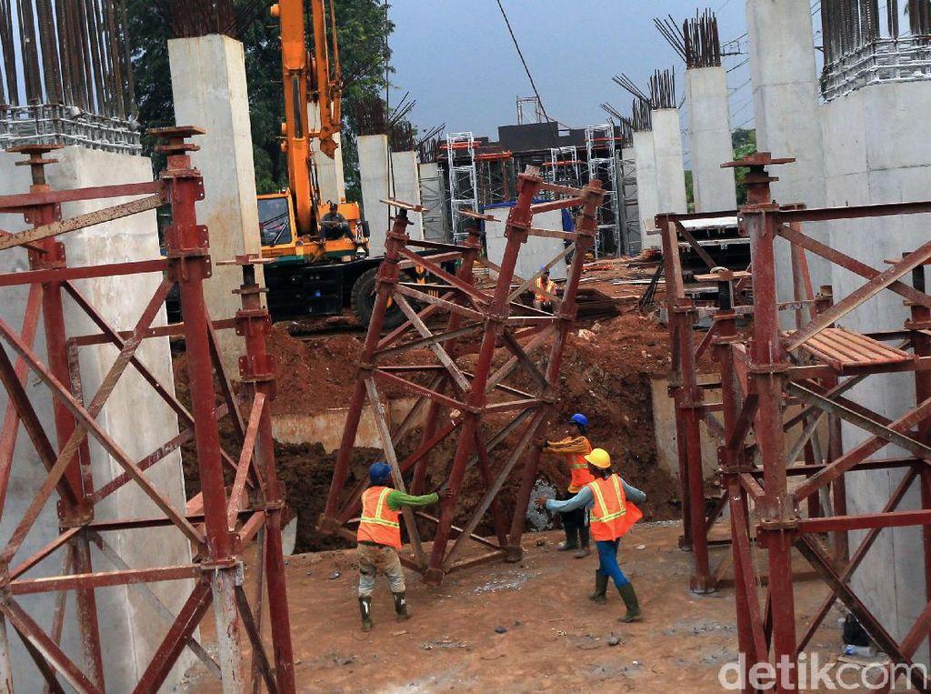 Dari data Badan Perencanaan Pembangunan Nasional (Bappenas) APBN Indonesia hanya mampu memenuhi sekitar 41,3% dari kebutuhan dana untuk infrastruktur Rp 4.796 triliun periode 2015-2019.