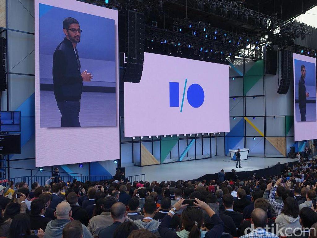 CEO Google Sundar Pichai menyapa hadirin. Sejumlah hal diungkapkannya, termasuk pencapaian 2 miliar pengguna aktif Android saat ini. Foto: rns/detikINET