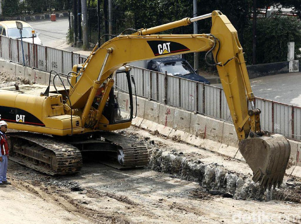 Underpass Mampang-Kuningan akan dibangun sepanjang kurang lebih 800 meter dengan lebar 20 meter atau empat lajur jalan. Terselesaikannya proyek underpass ini diproyeksikan dapat memperlancar arus kendaraan dari arah Mampang menuju Kuningan maupun sebaliknya.