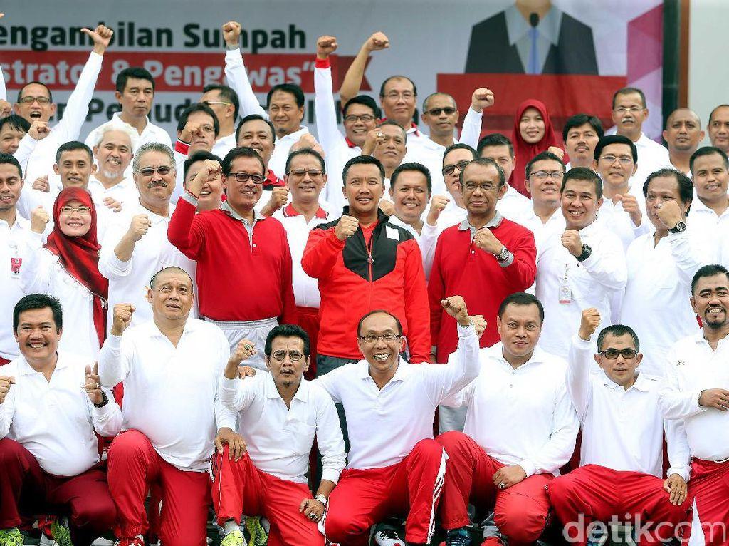 Pelantikan dan pengambilan sumpaj jabatan digelar di Halaman Kemenpora, Jakarta, Jumat (19/05/2017).