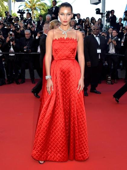 Foto: Bella Hadid Kembali Memesona di Festival Film Cannes 2017