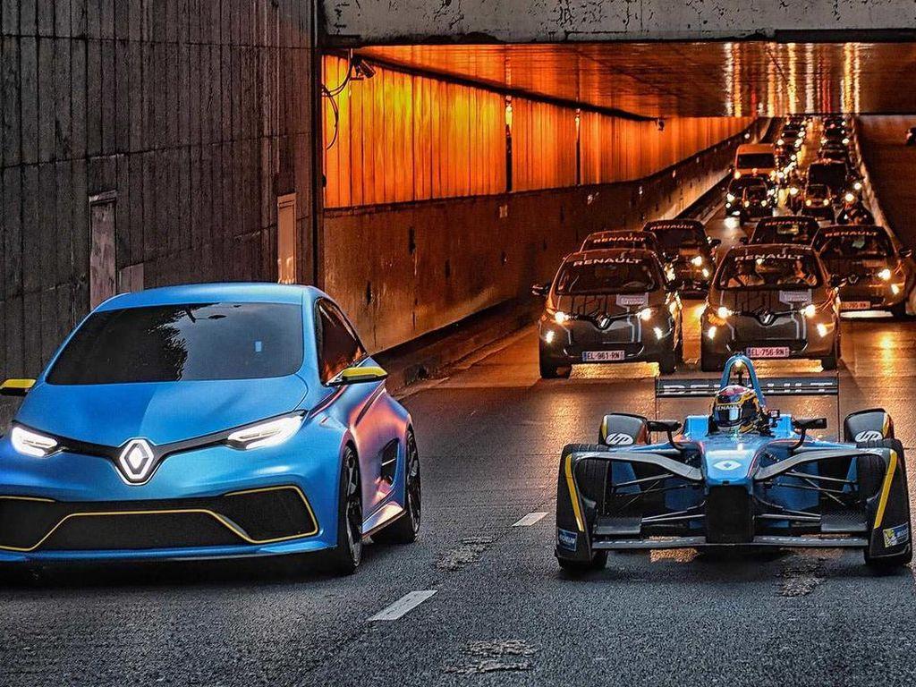 Parade Mobil Listrik Renault