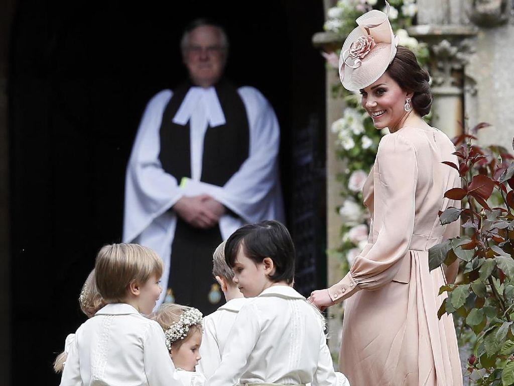 So Sweet Kate Middleton Desain Sendiri Undangan Pernikahan Pippa Middleton