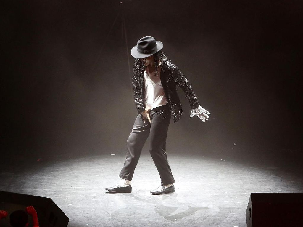 Sosok Michael Jackson Bangkit