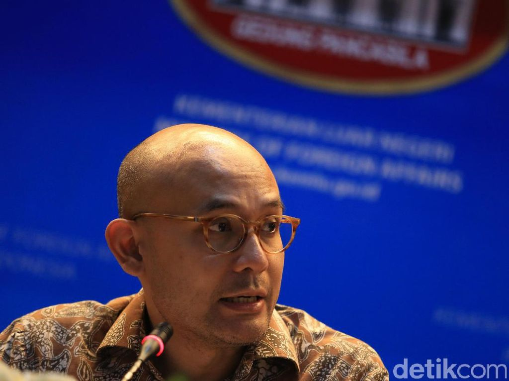 Kemlu Tanggapi Teror Bom Kampung Melayu