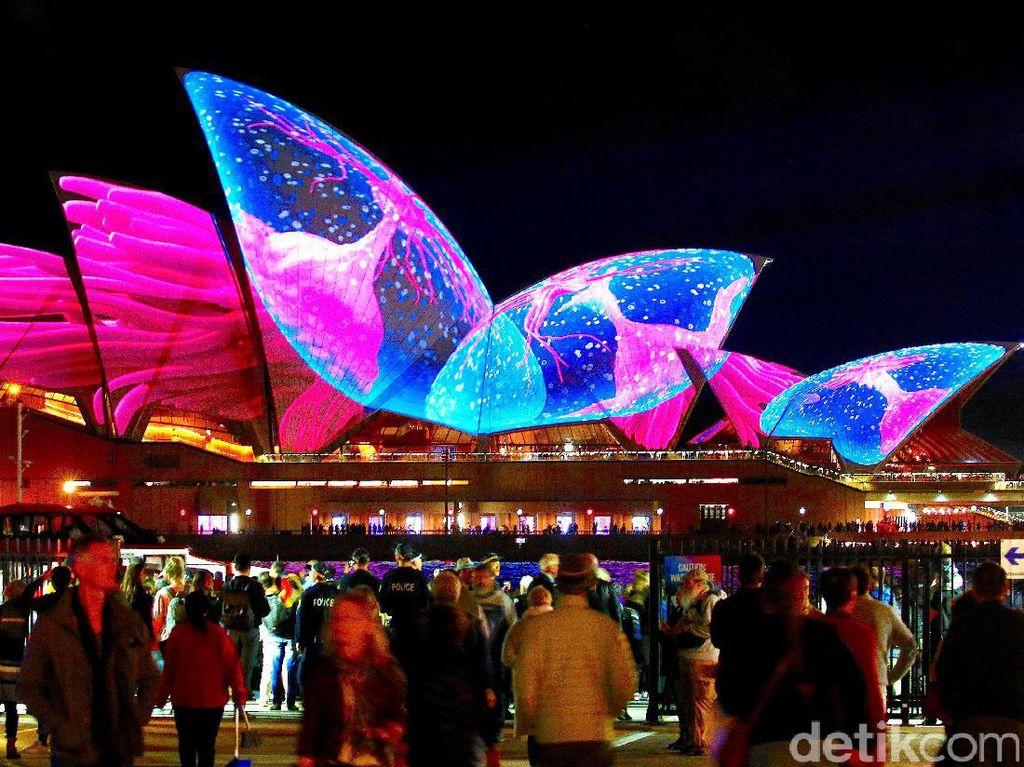 Indahnya Warna-warni Festival Cahaya di Sydney